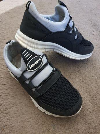 Продам кросівки для хлопчика