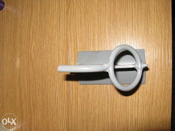 Гак (крюк) для СИП кріплення (крипления) кабелів на стовб (столб)
