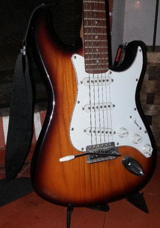 Guitarra Eléctrica Academy, Amplificador Coluna de Guitarra Laney LG12