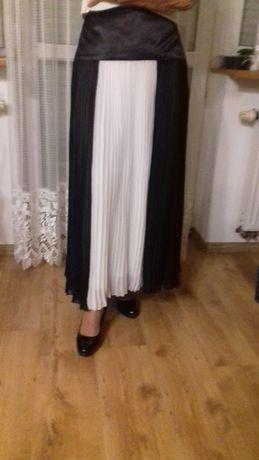 Spódnica elegancka plisowana.
