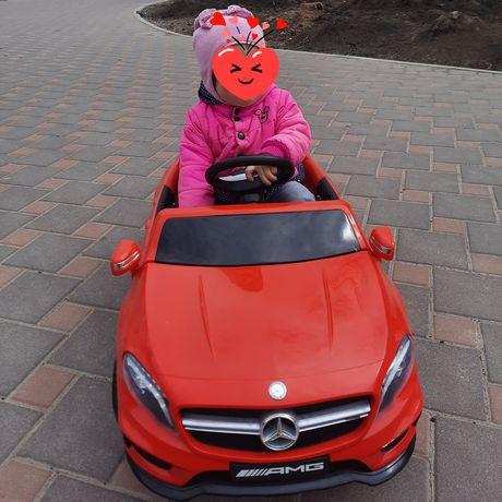 Продам детский электроавтомобиль на аккумуляторе