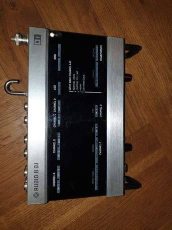 Native Instruments Audio 8 Dj Traktor Interfejs Audio Karta Dźwiękowa