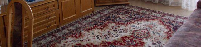 Wełniany dywan 3 x 4 m wzór królewski nadal aktualny