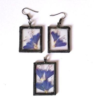 Komplet biżuterii z polnych kwiatów kolczyki i naszyjnik