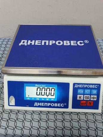 Продам весы ДНЕПРОВЕС в хорошем состоянии.