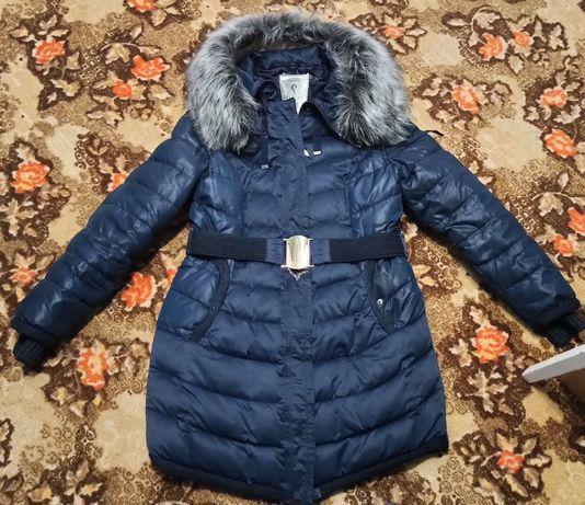 Продам зимнюю куртку в отличном состояние