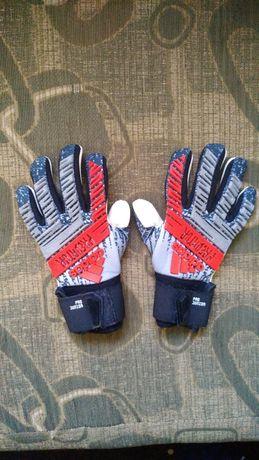 Вратарские перчатки Adidas Predator (размер 6)
