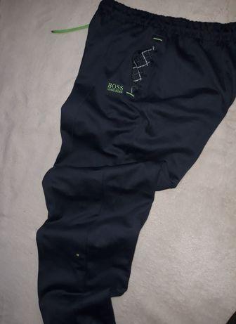 Hugo Boss spodnie dresowe męskie r. L jak nowe