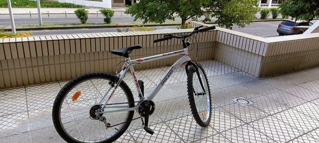 """Bicicleta de Desporto Roda 26"""" 18 Velocidades Branco."""