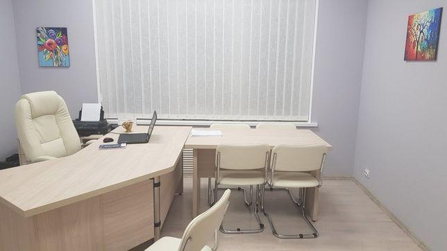 Продам Кабинет для руководителя (комплект мебели, кресло, стулья)
