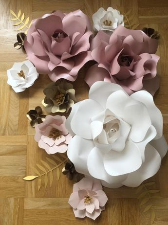 dekoracja ścienna - papierowe kwiaty