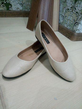 Продам туфли-балетки