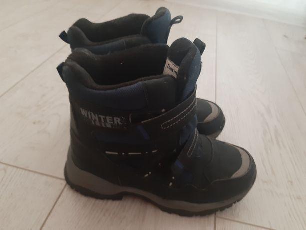 Ботинки зимние отличные