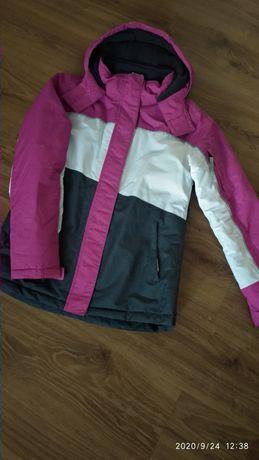 Курточка зимняя спортивная