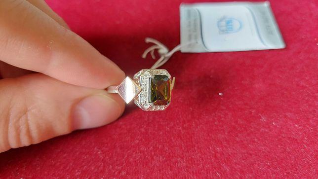 Серебряное кольцо с позолотой и фианитами