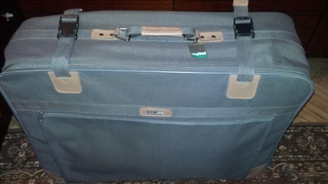 Дорожній чемодан Unicon
