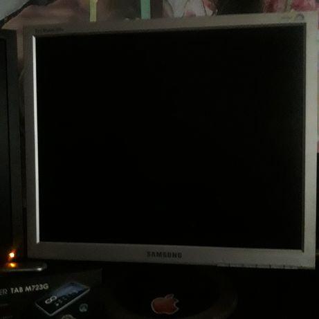 Монитор 19. Samsung 920N