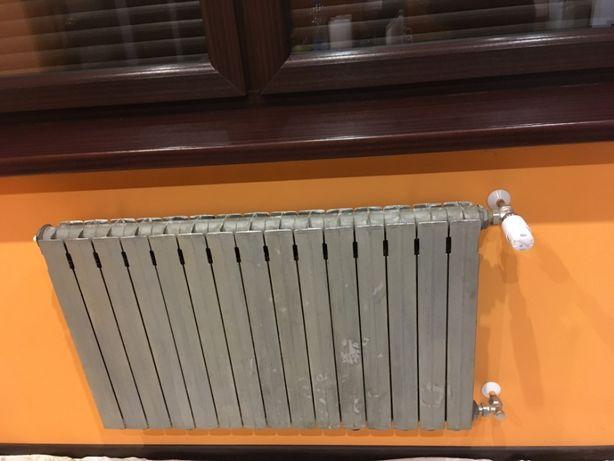 Grzejnik aluminiowy 90x55 cm szerokość 9cm stan idealny