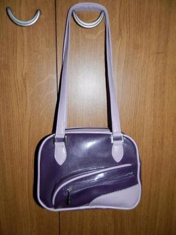Фирменная сумочка для маленьких модниц