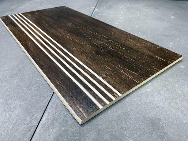 Drewnopodobne płytki na schody, drewno na schodach NAJTANIEJ