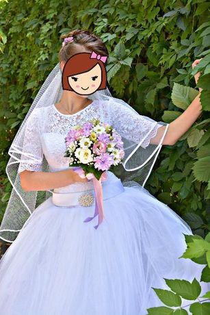 Свадебное платье 5000р размер 44-46 (регулируется корсетом)