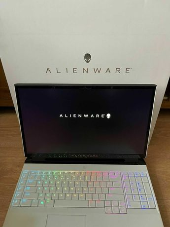 Alienware Area 51m R2 17'' 144Mhz FHD Intel i7-9700 RTX 2070 Gaming
