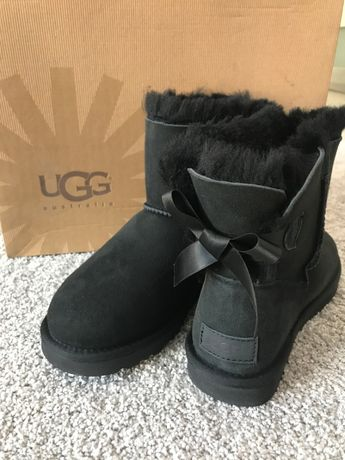 UGG mini Black