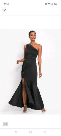 Czarna sukienka 48-50