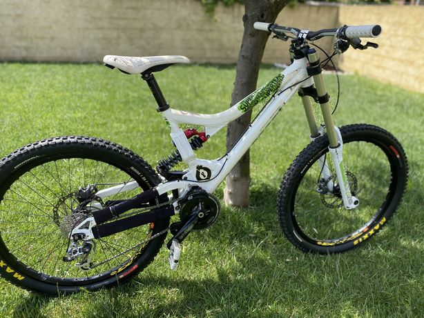 Bike Downhill Commencal supreme