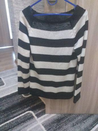 Продам красивый свитер
