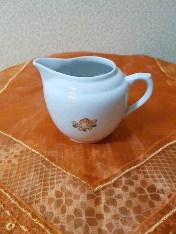 Фарфоровый молочник сливочник СССР Вербилки