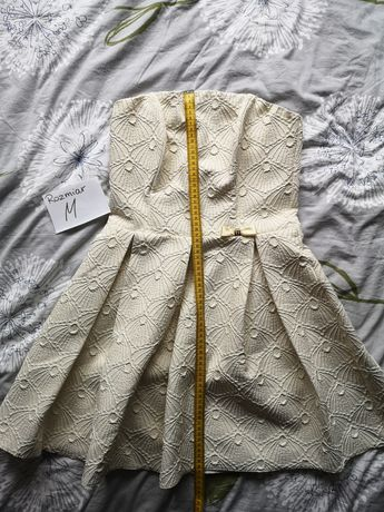 Sukienka rozkloszowaną gorset
