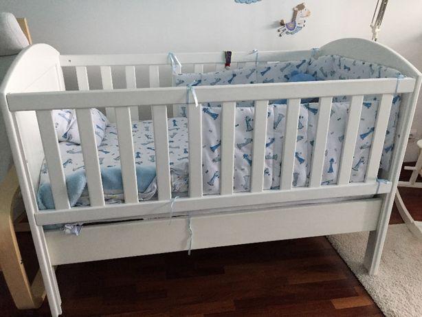 vendo cama de criança com grades e colchão