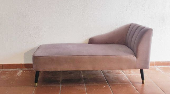 Chaise longue de veludo rosa à direita Paguei € 339,99 no Janeiro 2021