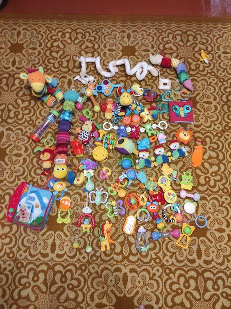 Пакет погремушок /брязкалець/ іграшок