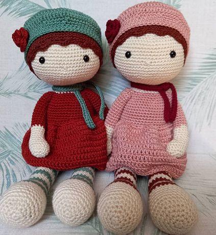 Boneca feita em crochet