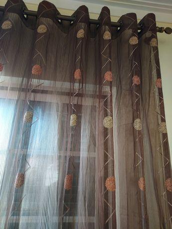 2 cortinados em muito bom estado