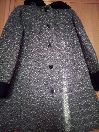 Пальто женское демисезонное. Осень- весна.54 размер