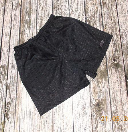 Фирменные шорты Umbro для мужчины, размер XL /50