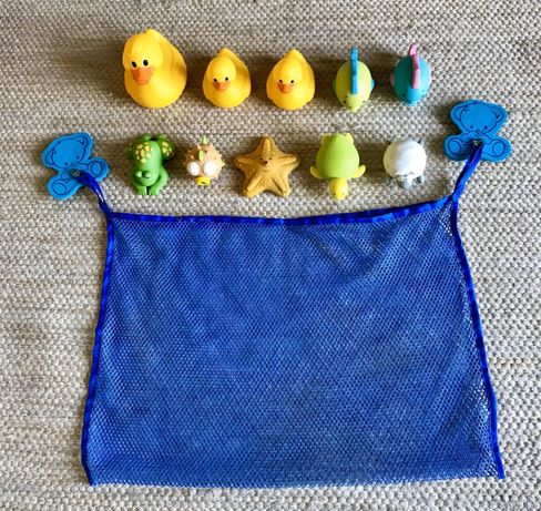 Brinquedos de Banheira ou piscina com saco rede.