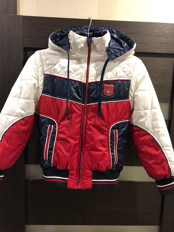 Продам куртку-трансформер(осень-весна)для мальчика на 4,5-6,5 лет.