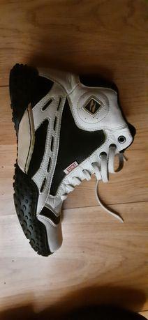 Продам крассовки ботинки  кожаные новые фирмы Lesta, ботинки зимние