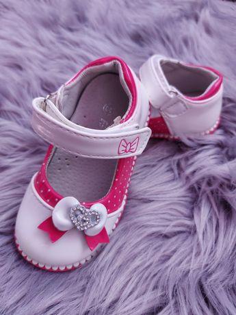 Туфлі  для дівчинки 23 розмір