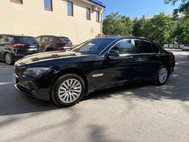 BMW 740 Li 2012 Official
