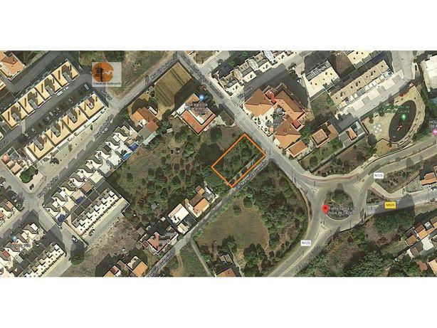 Terreno Urbano para construção de moradias em Vila Nova d...