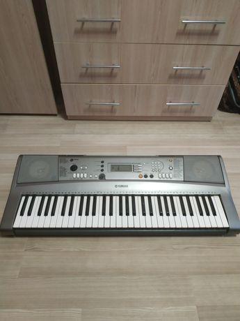 Продам піаніно синтезатор Yamaha WK13700