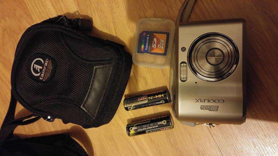 Maquina Fotográfica Nikon coolpix com extras Esposende - imagem 1