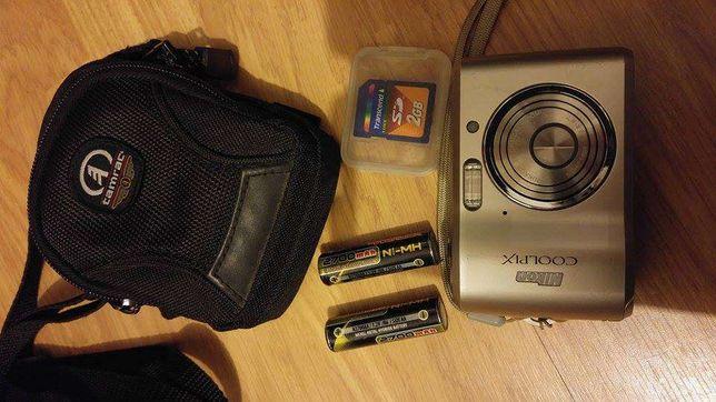 Maquina Fotográfica Nikon coolpix com extras