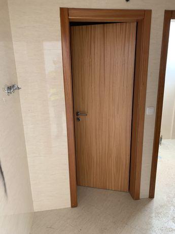 6 Portas interiores em madeira novas