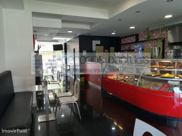 Café Snack Bar mobilado e equipado